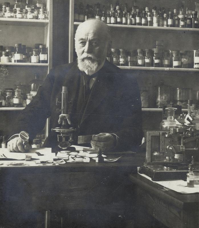 Salomon Henschen i laboratoriet