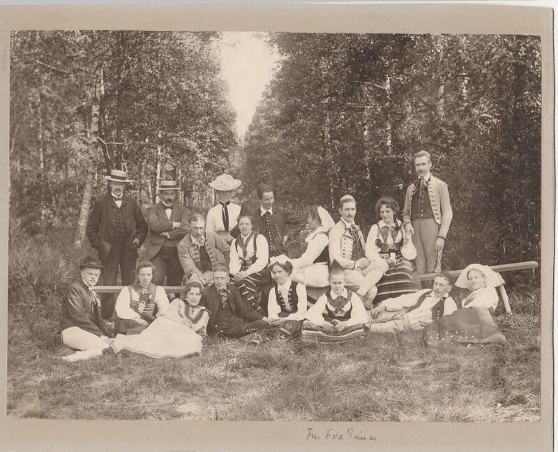 Sätra Brunn. Trol. personal.Högtidsklädda. 1900-talet..jpg
