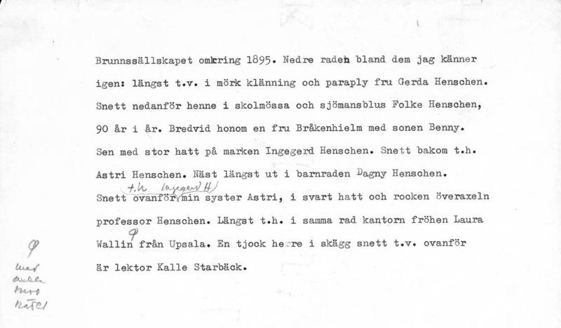Sätra Brunn. Brunnssällskapet omkring 1895. Gåva av Ingegerd Henschen-Ingvar 1971. Text.jpg