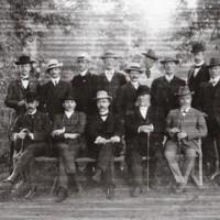 Personal. Sommaren 1908. Sittande 3 fr v. Överläkare Ragnar Friberger.jpg