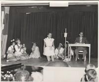 Kabare´ 1956. Bild 8.<br /><br />