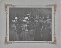 Sätra Brunn. Brunnsvursten framför Gymnastiken. År 1898. Foto.jpg