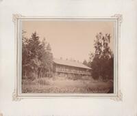 Sätra Brunn. Skogsbo. Årtal 1900-tal. Storlek 24x20 mm. Gåva 1971 av Ingegerd Henschen.Foto..jpg